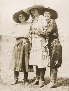 3-ANTIQUE-VINTAGE-WESTERN-RODEO-PENDLETON-ROUND-UP-COWGIRLS-PHOTO-CANVAS-ART