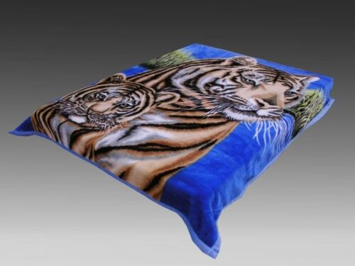 0001 2 PLY 2 SIDE QUEEN MINK BLANKET WALF AND TIGER 5.6 LB