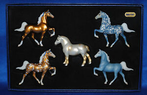 Breyer-2004-JAH-Mini-Fanfare-Holiday-Set-w-GOLD-DRAFT-HORSE-Stablemate-Sm-WOW