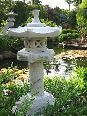 Yukimi auf Säule S japanische Steinlaterne Koiteich