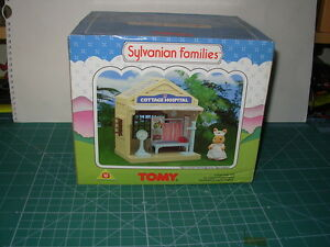 TOMY-SYLVANIAN-FAMILIES-COTTAGE-HOSPITAL