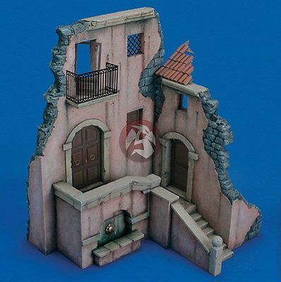 Royal Model 1/35 Sicilian Typical Italian 2-Story House Ruin Section [w/PE] 487