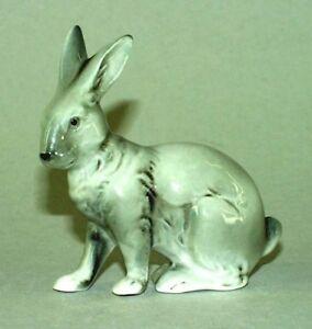 9942191-Porcelain-Figurine-Little-Bunny-Rabbit-Gray-Wagner-amp-Apel-8x8cm