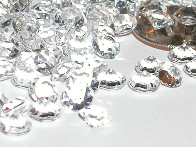 25 Fun acrylic luster clear diamond point crystals gems for bottles New 5.5mm