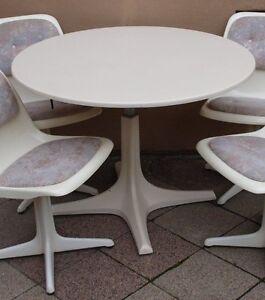 60er 70er tisch rund esstisch panton eames saarinen zu tulip chair interl bke ebay. Black Bedroom Furniture Sets. Home Design Ideas