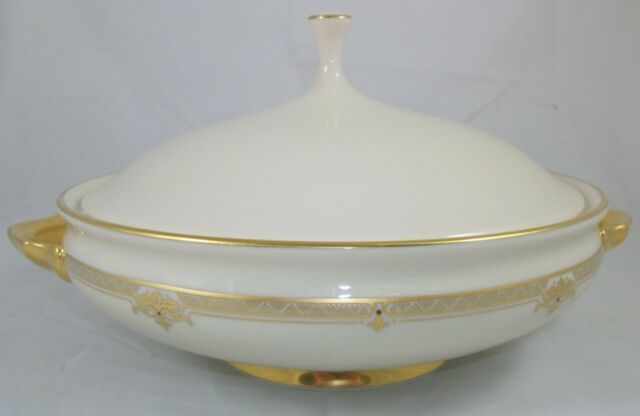 Lenox REPUBLIC Round Covered Vegetable Bowl MINT CONDITION - PERFECT A+