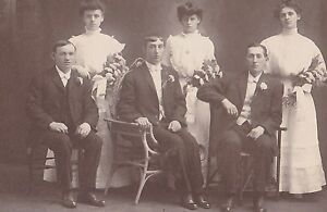 VICTORIAN-wedding-cabinet-photo-137-GROUP-SHOT-MILWAUKEE-WI