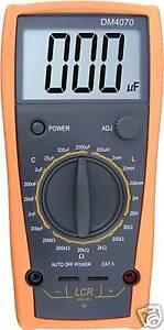 DM4070-LCR-meter-capacitance-2000uF-compared-w-FLUKE