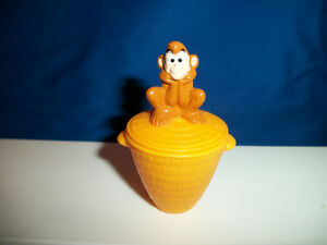 ABU-with-BASKET-ALADDIN-Disney-US-NESTLE-MAGIC-Figurine-Single-1997-NO-PAPER