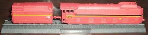BR-05-002-Stromlinien-Dampflok-rot-Standmodell-N-1-160