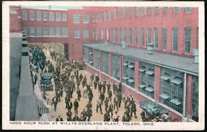 TOLEDO OH Willys-Overland Plant Noon Hour Rush Antique