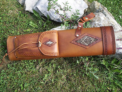 RIGHT HAND  RATTLESNAKE LEATHER HIP QUIVER/TRADITIONAL