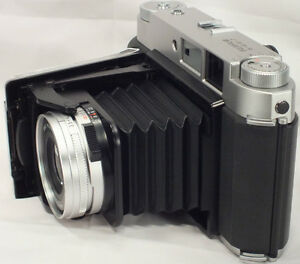 Fujifilm-GF670-Rangefinder-Folding-Film-Camera