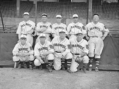 BOSTON BRAVES TEAM 1933 WALLY BERGER RABBITT MARANVILLE, ED BRANDT 8x10 PHOTO !!