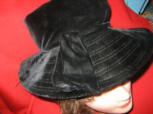Black-velvet-ladies-hat-50s-era-w-stitching-in-wide-brim-Made-in-United-States