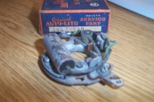 NOS DODGE,PLYMOUTH 1939-50 AUTOLITE DIST.BREAKER PLATE ASSEMBLY.#IGS3004B
