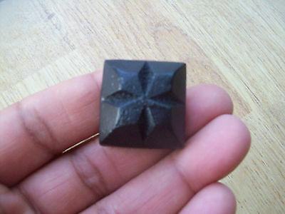 10 X BLACK ANTIQUE 23mm SCREW IN DECORATIVE CAST IRON TUDOR DOOR WOOD STUDS