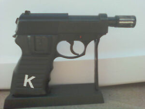 Man-from-UNCLE-AIRSOFT-UNCLE-P-38-PISTOL