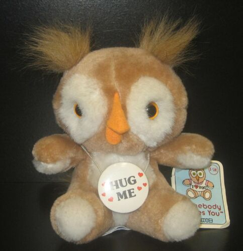 VTG 1985 SWIB STUFFED/PLUSH OWL W GLASS EYES FUR EARS FELT BEAK HUG ME BUTTON