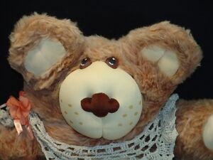 BIG-1984-XAVIER-ROBERTS-FURSKINS-GRANDMA-GIRL-KNIT-SCARF-PLUSH-TEDDY-BEAR