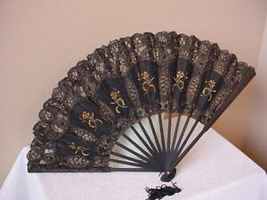 VICTORIAN-TEA-LADIES-GOTHIC-STEAMPUNK-BLACK-GOLD-BATTENBURG-LACE-FAN-SASS