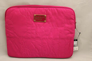 NWT-MARC-BY-MARC-JACOBS-PRETTY-NYLON-QUILTED-13-034-LAPTOP-SLEEVE-CASE-BAG-FUCHSIA