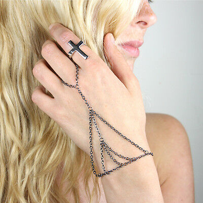 Hand CHAIN Slave Bracelet, Ring, Silver, Armour, Harness, Rock, Indie, Gunmetal