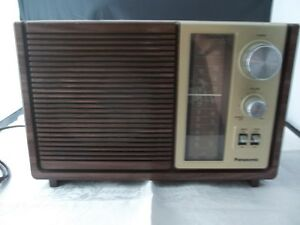 vintage panasonic am fm table radio model re 6280 ebay. Black Bedroom Furniture Sets. Home Design Ideas