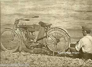 Harley-Davidson-Antique-Motorcycle-Photo-Vintage-about-1912-US-England