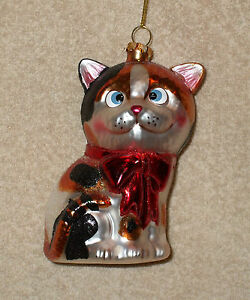 Glass-amp-Resin-CALICO-CAT-w-RED-BOW-Christmas-Ornament-NEW