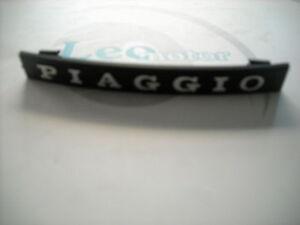5784-TARGHETTA-PIAGGIO-AD-INCASTRO-MASCHERINA-NASELLO-VESPA-PK-PX-50-125-150-T5