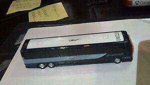 GREYHOUND-PREVOST-X3-4500-DIE-CAST-MODEL-BUS