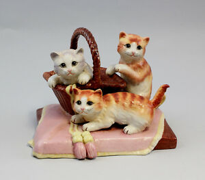 a2-37292 Porcelain Gambling Cats with Basket Cat