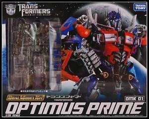 Transformers-DOTM-1-35-Scale-Optimus-Prime-DMK-01-Dual-Model-Kit-Action-Figure