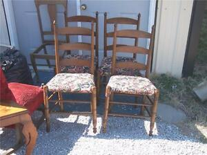 Set-of-4-Mahogany-Ladderback-Dinette-Chairs-Sidechairs-DC9
