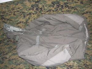primaloft-GEN-III-parka-jacket-USGI-extreme-cold-weather-military-issue-medium