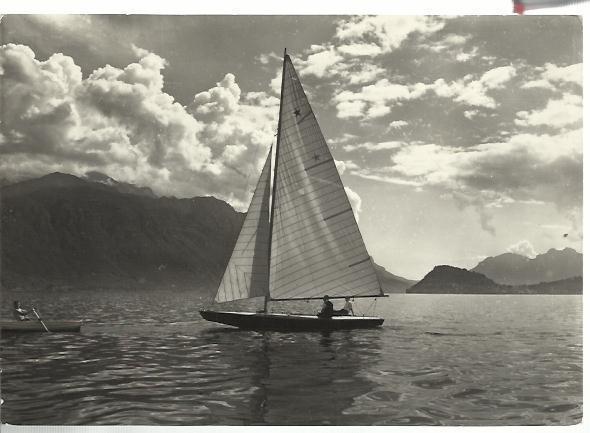 lago di como cartolina con barca a vela e barca a remi spedita nel 1953