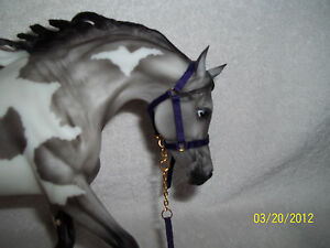 PURPLE-HALTER-amp-LEAD-TACK-BREYER-PETER-STONE-TRAD-model-horses
