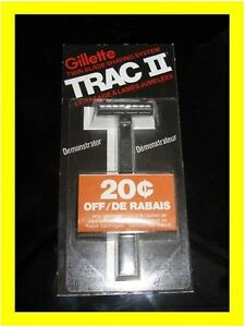 Rare-Vintage-GILLETTE-TRAC-II-DEMONSTRATOR-RAZOR-NOT-DISPOSABLE-Brand-New