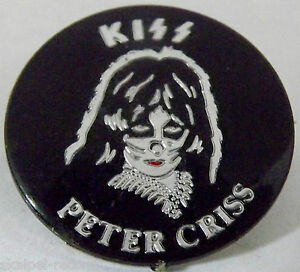 KISS-Peter-Criss-Vintage-1980-s-Crystal-Prismatic-Button-Pin-Badge-PC105
