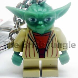Lego-Star-Wars-minifig-yoda-keyring-keychain-clone-game-wii-ps3-ps4-pc-chewbacca