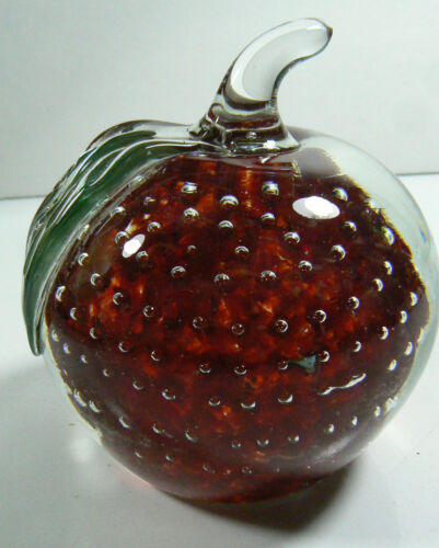 Vintage Clear & Red Controlled Bubbles APPLE with Leaf Art Glass Paperweight