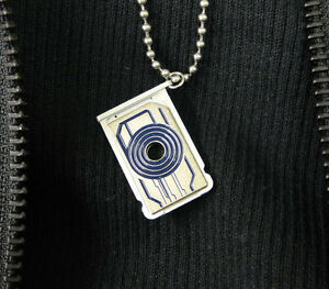 Tron-Sam-Flynns-necklace-memory-card