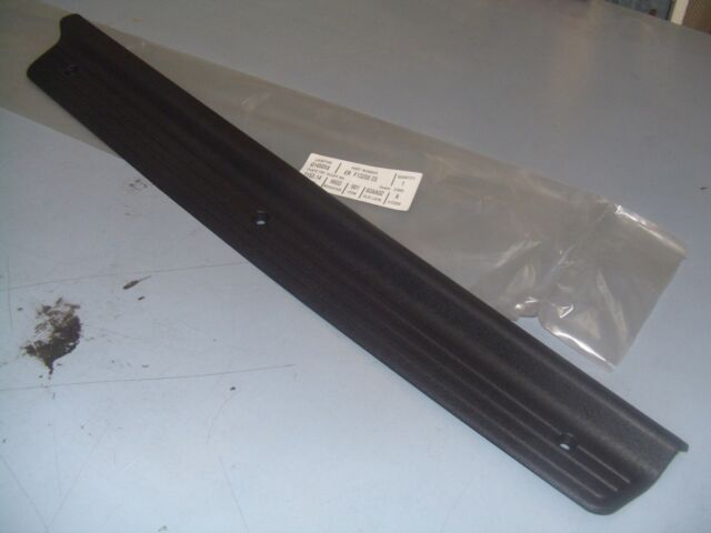 SCUFF PLATE LEFT FRONT FORD AU CHARCOAL IN COLOR NEW GENUINE BAYFORD PART