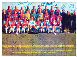 WEST-HAM-UNITED-2002-2003-ORIGINAL-HAND-SIGNED-PHOTOGRAPH-TEAM-GROUP-BY-22