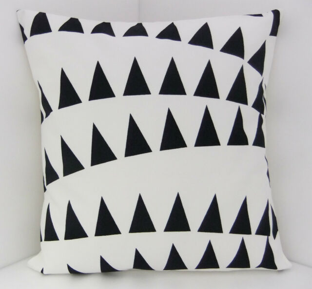 RETRO SCATTER CUSHION COVERS BLACK AND WHITE TRIANGLES WITH A BLACK BACKING