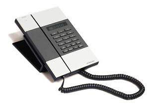 Jacob-Jensen-Telephone-3-designer-corded-home-office-hotel-phone