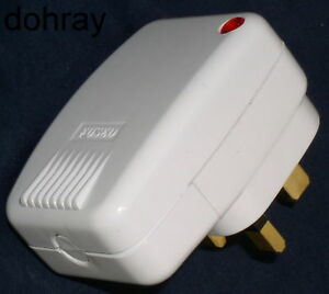 SURGE-PROTECTOR-SAFETY-PLUG-replace-standard-plugs-protect-expensive-appliances