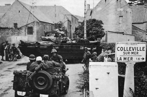 Les Américains en Jeep à Colleville//Mer France 44 Photo WW2