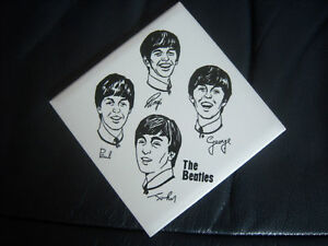 ORIGINAL-THE-BEATLES-OFFICIAL-SQUARE-SOUVENIR-WALL-TILE-MINT-1963-MINT